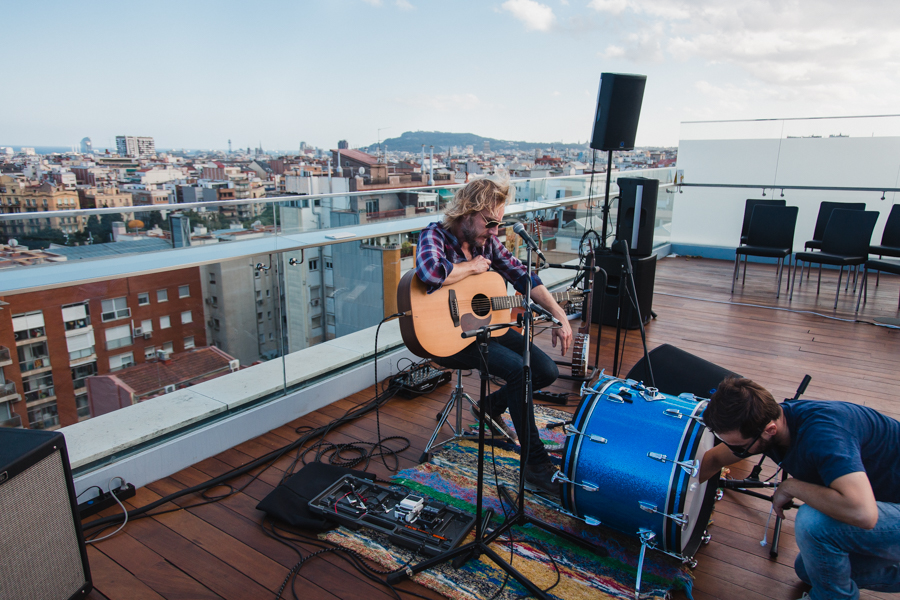 Live the Roof Neuman 3