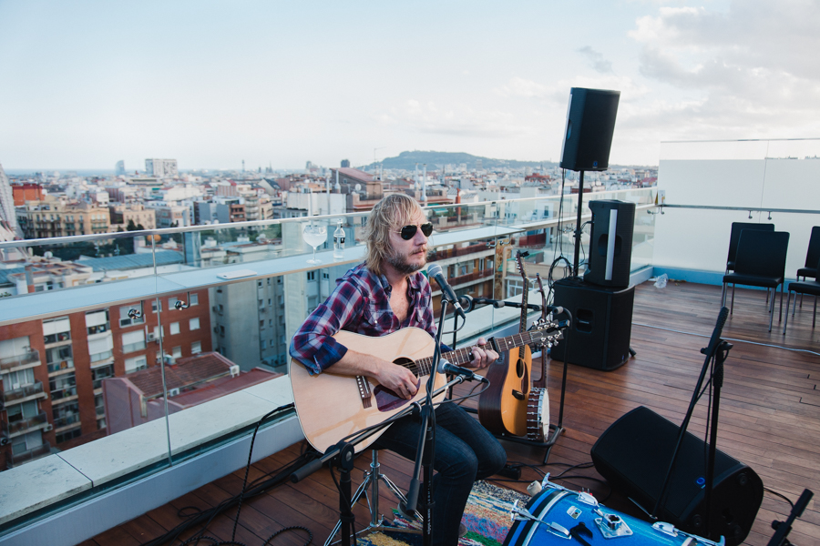 Live the Roof Neuman 9